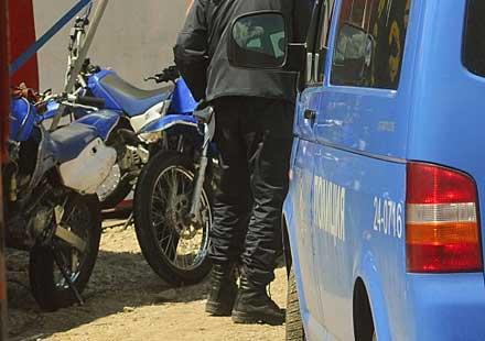 17-годишен задигна мотор, бяга от полицейски патрул