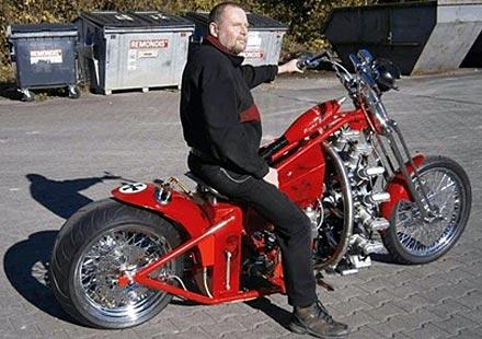Мотоциклет със самолетен двигател