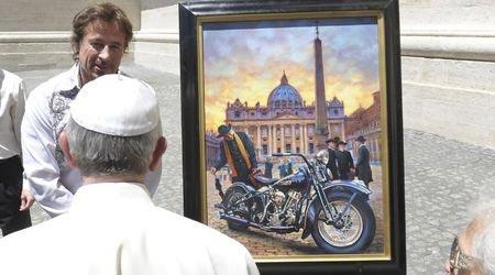 """Папата получи два мотора и кожено яке от """"Харли-Дейвидсън"""" 02"""
