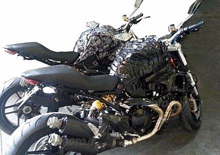 Шпионски снимки на Ducati Monster 1198