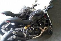 Шпионски снимки на Ducati Monster 1198 02