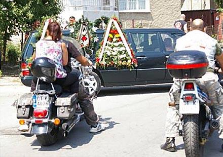 Над 400 мотористи и приятели изпратиха Марин