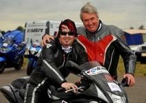 Най-бързият сляп мотоциклетист (видео)