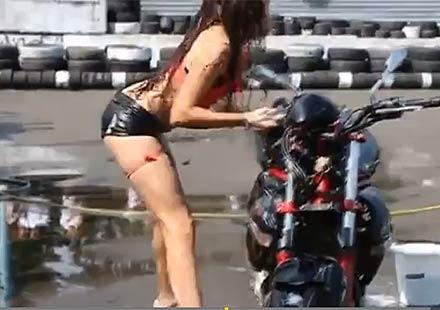 Мотор затисна разгонена служителка на автомивка (ВИДЕО)
