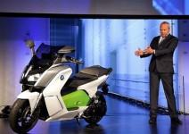 90 години мотоциклети BMW – видео
