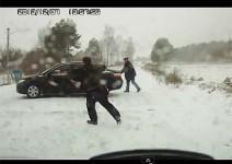 Тримата глупаци - почти по Доньо Донев (видео)