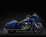 Harley-Davidson Road Glide за 2015 г. се появява с гръм и трясък 02